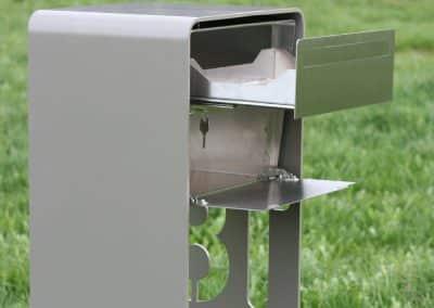 Design Briefkasten Chromstahl & Perlmausgrau